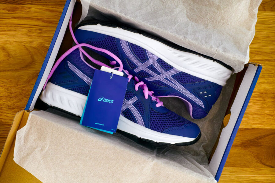 Should You Keep Shoes In the Box?
